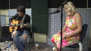 """Vandaveer stops by WTMD to share """"Divide & Conquer"""""""