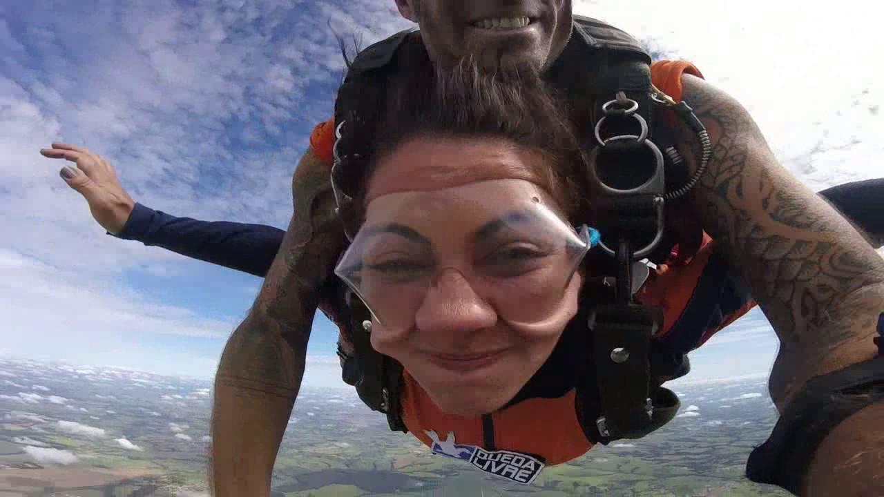 Salto de Paraquedas da Adriana B na Queda Livre Paraquedismo 07 01 2017