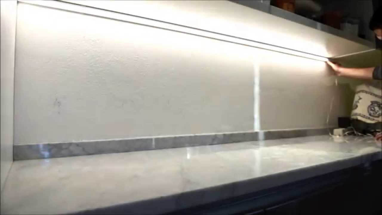 Striscia piastrelle cucina mattonelle artistiche del soffitto di