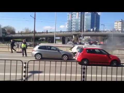 VW Голф 2 горя зад НДК