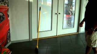magic broom 003.avi
