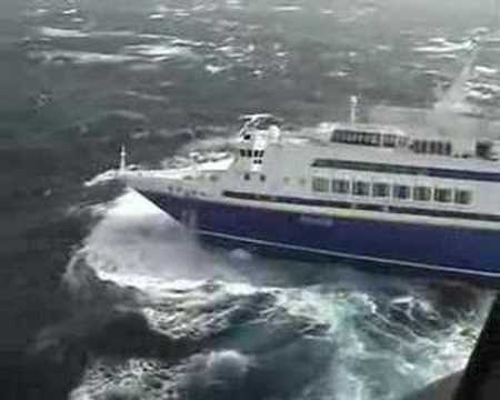 Voyager In Cyclone Valentina YouTube - Grand voyager cruise ship