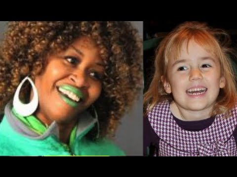 GloZell and Bailey chase chickens!