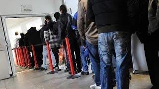 Франция претворяет экономику придуманную человеком-результат безработица.