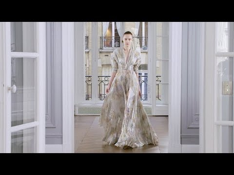 Ralph & Russo   Fall Winter 2018/2019 Full Fashion Show   Exclusive