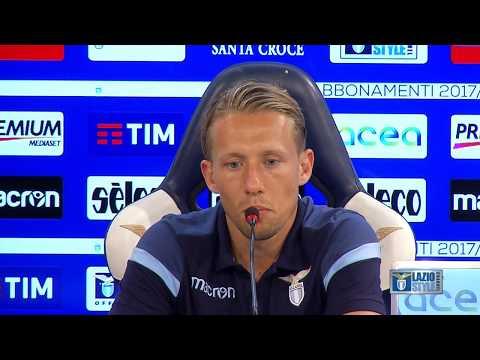 Lucas Leiva in conferenza stampa