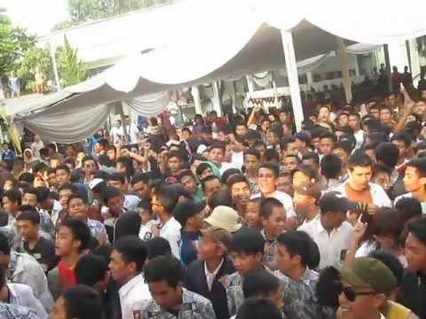 Rudies Melancong - Benci Tapi Rindu @smk8bdg