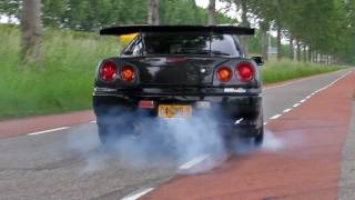 Nissan R34 Skyline GT-T Burnout + LOUD sound!! 1080p HD
