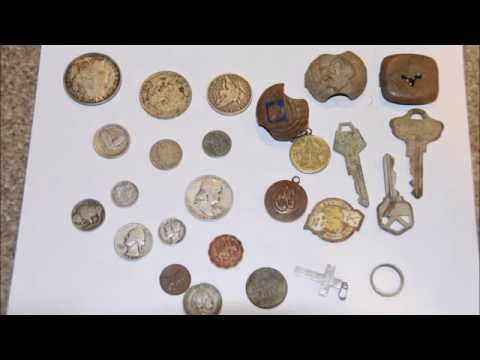 METAL DETECTING AT A *100 YEAR OLD GOLD MINING CAMP