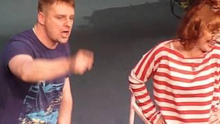 видео Авантюрная семейка или как украсть миллион. Театр Millenium. bigbilet.ru