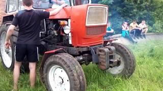 Практическое занятие по вождению трактора на полигоне
