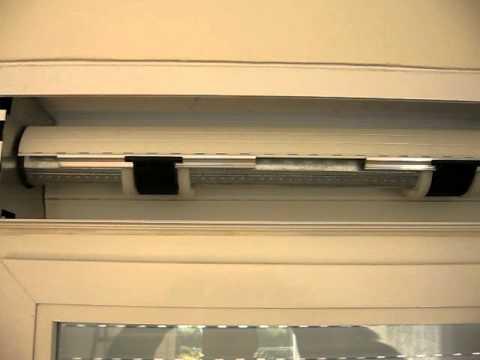 C mo quitar la tapa del caj n de la persiana funnycat tv - Cambiar cinta persiana pvc ...