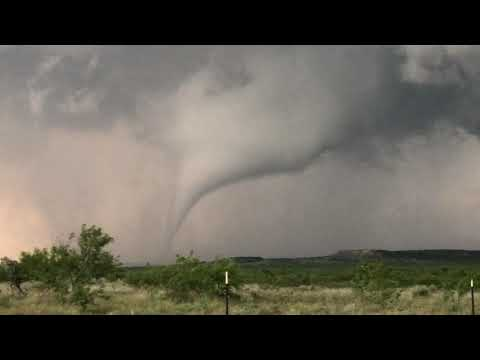 TORNADO producing machine off the Texas Caprock south of Post, TX!