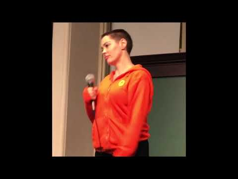 Rose McGowan's huge argument with trans woman Andi Dier in Barnes & Noble bookstore