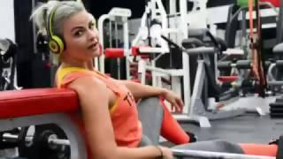 Анна Стародубцева делает упражнение «ягодичный мостик»(, 2016-11-04T14:56:05.000Z)