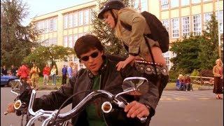 Smallville: 2x04 (Rojo) - Clark llega a la escuela en Moto - Kriptonita Roja