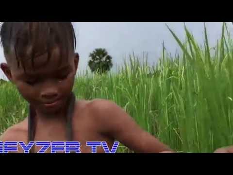 ШОК! Дети играют со змеями! Камбоджа