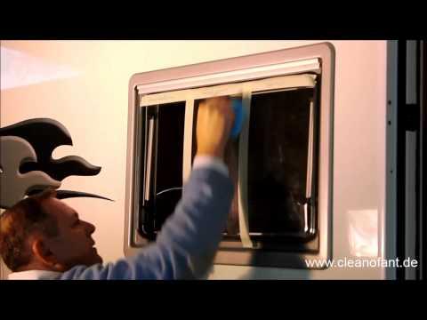 hand politur der fenster bei wohnwagen und wohnmobil youtube. Black Bedroom Furniture Sets. Home Design Ideas