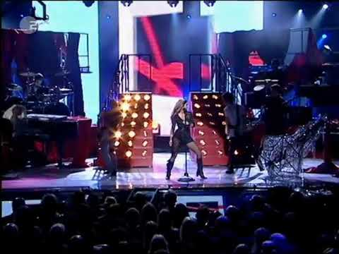 Download Shakira Objection (Tango) Live at World Music Awards