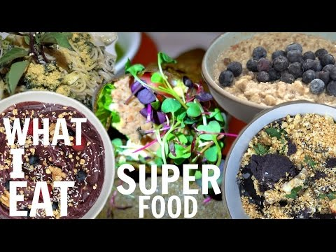 WHAT I EAT IN A DAY TO STAY FIT & HAPPY // SUPERFOODS + 3 DINNERS