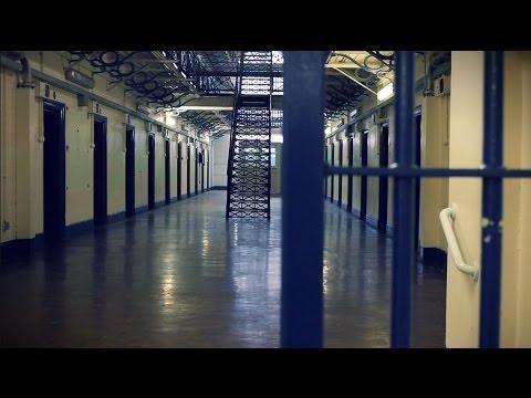Noisy Prison Van Doovi