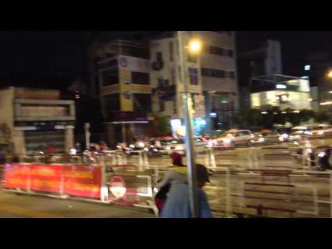 Xe lua qua Nguyen Van Troi 13/10/2013