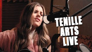 Tenille Arts, 'Cowboy Take Me Away' - Live Dixie Chicks Cover