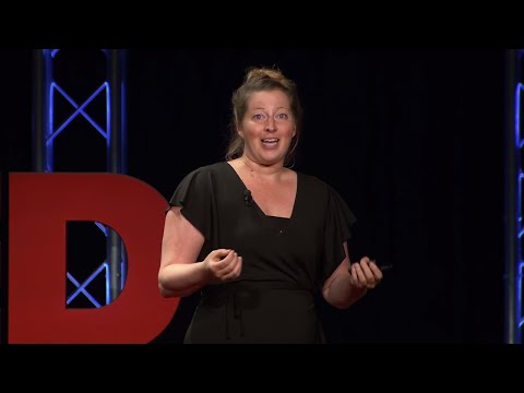 Smart Tourism: How to Be a Smart Tourist | Kristin Weis | TEDxHerndon