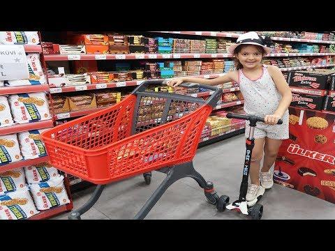 Masal Scooter Ile Market Alışverişi Yapıyor 10 TL'ye Neler Aldı - Kids Mini Car Shopping Scooter