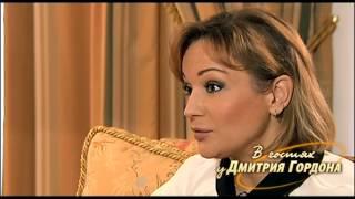 """Буланова: Первое исполнение песни """"Не плачь"""" было провальным, зрители свистели, орали"""