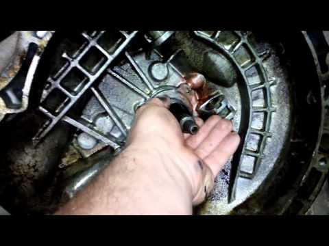 Демонтаж кпп с заменой всех сальников на Шевроле Авиа(Chevrolet Aveo)