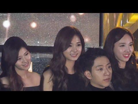 161226 트와이스 (TWICE) 지효 어쿠스틱 버전 TT 무대 지켜보는 [사나,쯔위,나연] Sana,Tzuyu, NAYEON직캠 Fancam (2016 가요대전) by Mera