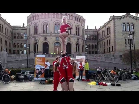sport,acrobats on Karl Johan in Oslo, Norway