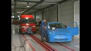ADAC - Crash Test: Dangerous vans in crash