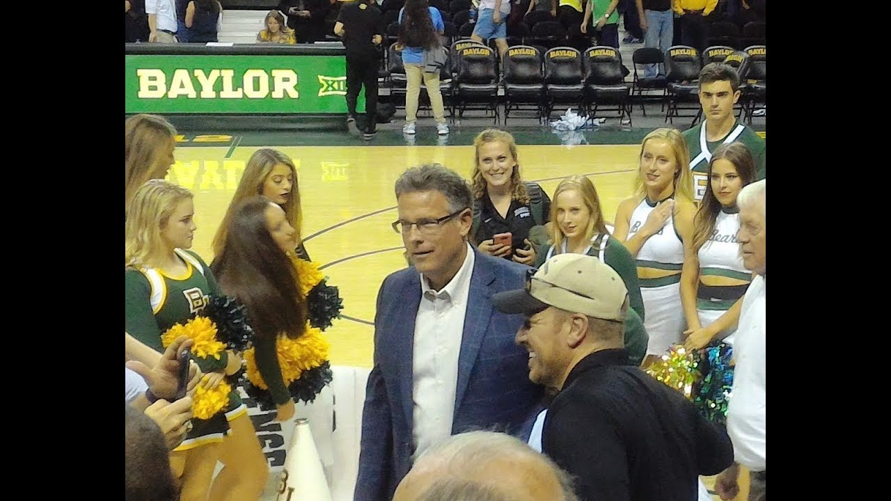 Chip Gaines of Fixer Upper at Baylor University Basketball ...