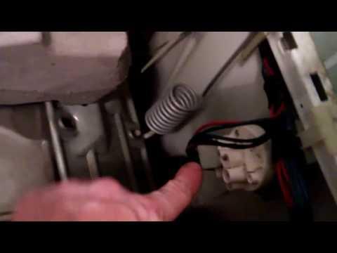 стиральная машина набирает воду и  сразу спускает что делать