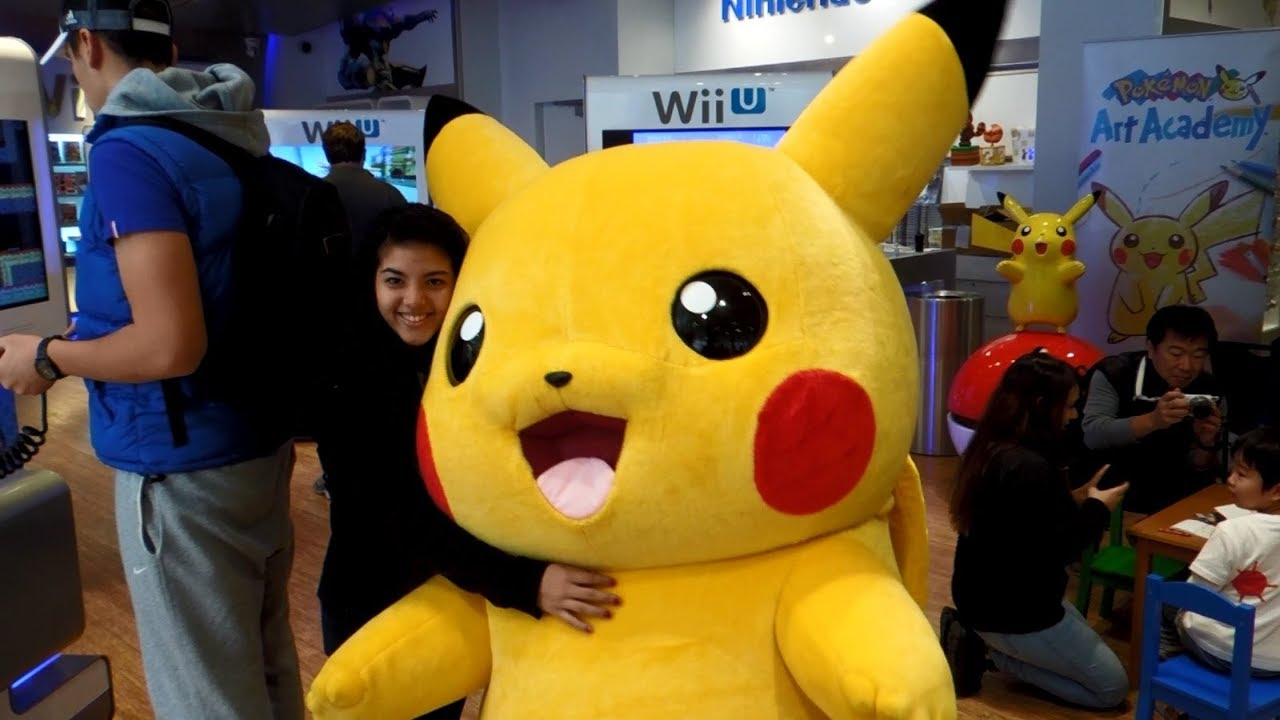 A Wild Pikachu Fangirl Appeared! [Nintendo World Memories]