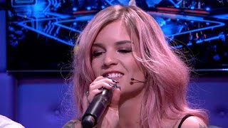 Dionne Slagter covert Issues van Julia Michaels - RTL LATE NIGHT