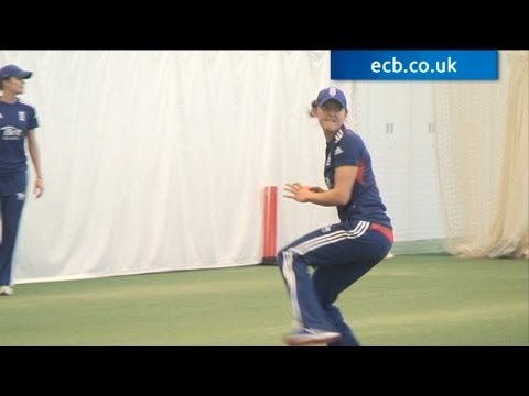 Sarah Taylor fielding during Women's Ashes preparation