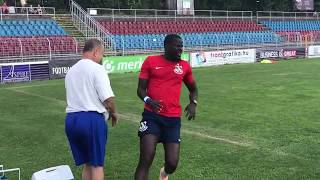 Emmanuel Eboue in Hungary - signing autographs