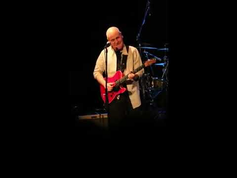 Spyro Gyra ~ Julio Fernandez, guitarist (March 16, 2017)