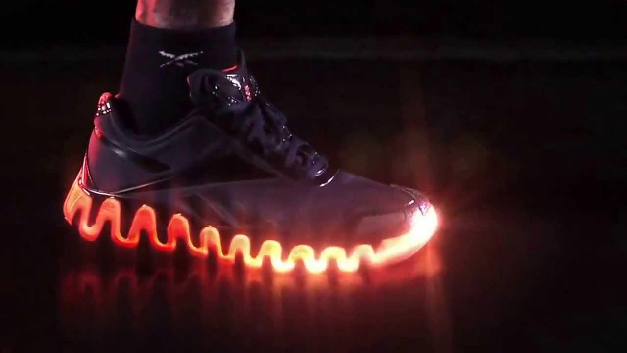 В интернет магазине reebok ты найдешь более 10 новых моделей мужских зимних кроссовок. В наличии утепленные кроссовки для мужчин из коллекции зима 2017-2018. Закажи с доставкой по россии.