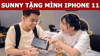 @Sunny Trương chơi lớn tặng IPHONE 11 và bắt mình dẫn ĐI ĂN món này?   Oops Banana V10g 197