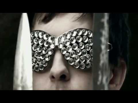 calvin-harris---im-not-alone-[-new-2009-music-video]-+-download-mp3
