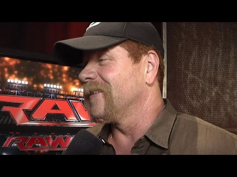 """The Walking Dead"" star Michael Cudlitz comes to Raw: WWE.com Exclusive, July 13, 2015"