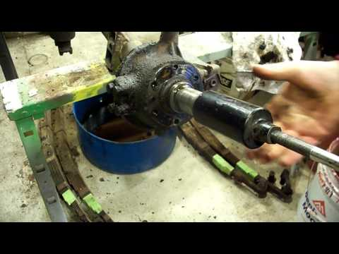 Willys Jeep differential rebuild, front end disassembly