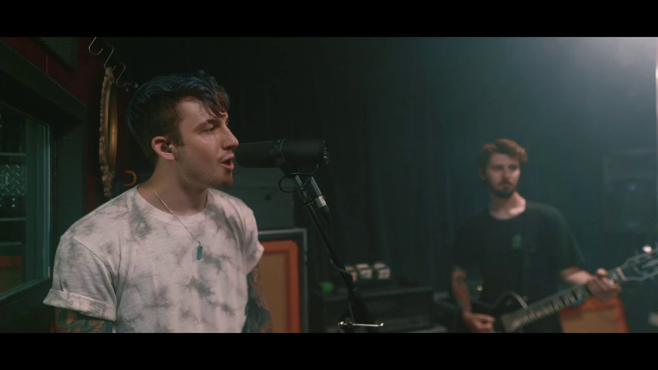 """Glass Houses Live Session - """"Bled"""""""