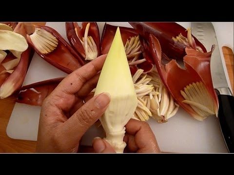 How To Cut and Clean Mocha / Banana Blossom / Banana Flower