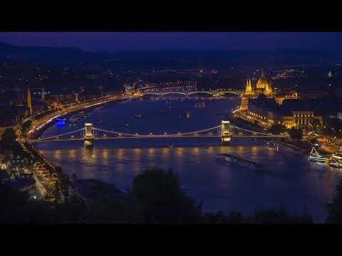 Timelapse video of 6 Viking river cruise ships leaving Budapest