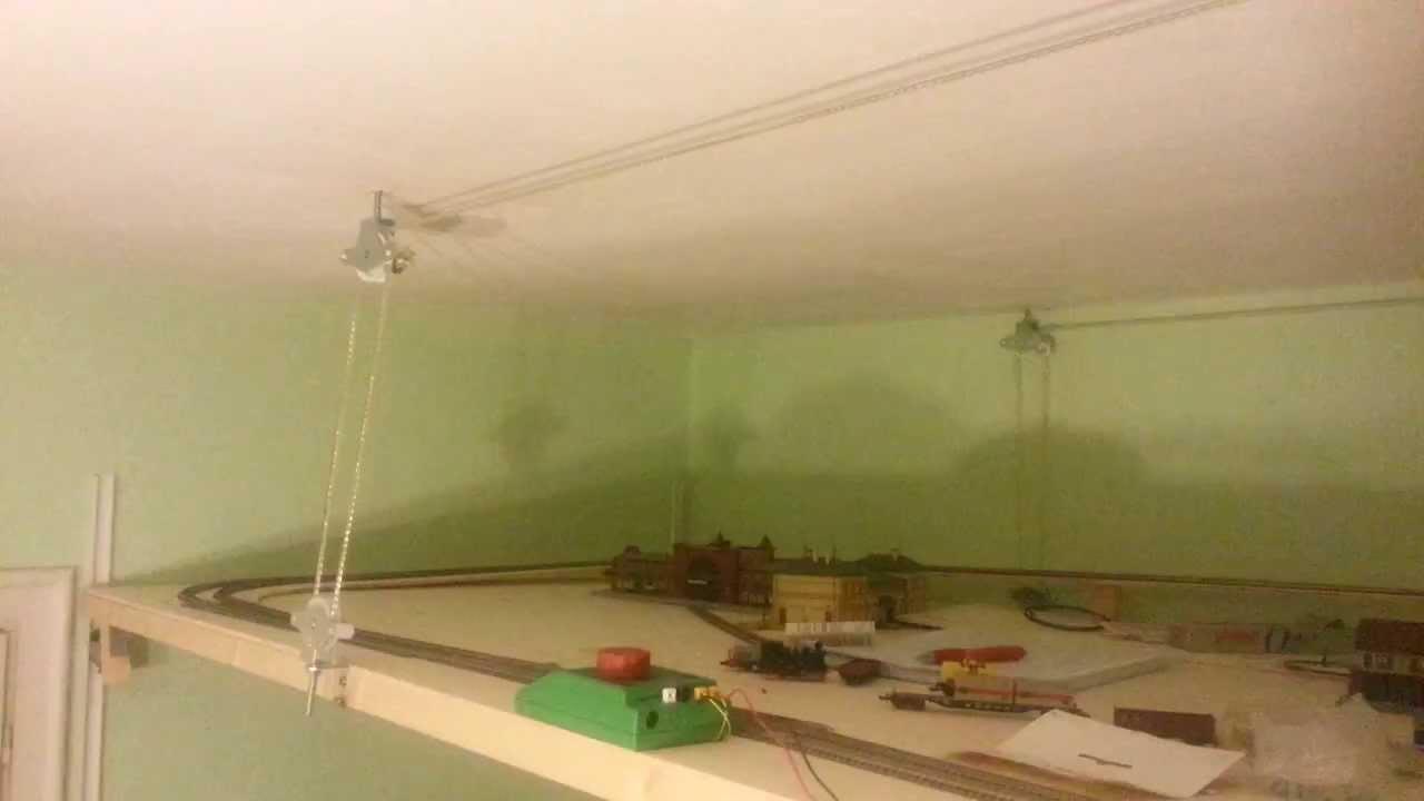 Bajando maqueta desde el techo youtube for Larvas de polillas en el techo
